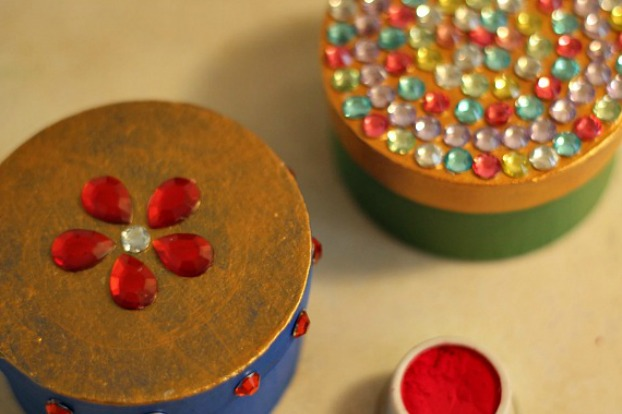 DIY: Decorative Favour Boxes for a Sangeet