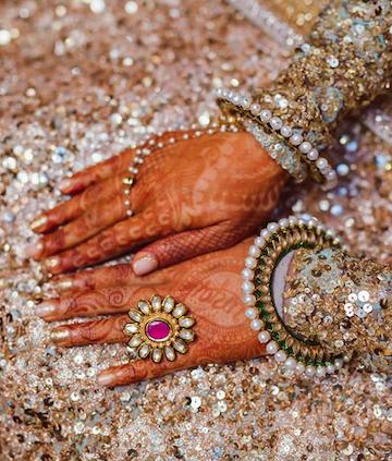 hand accessories