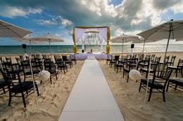 Super Glam Cancun Indian Wedding By Photographick Studios