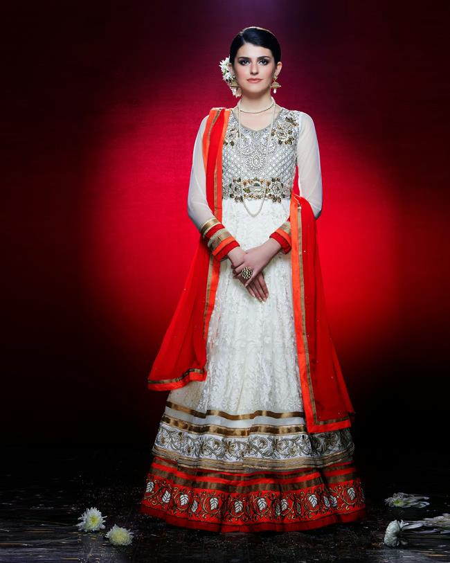 Lashkaraa-red-and-white-Indian-anarkali