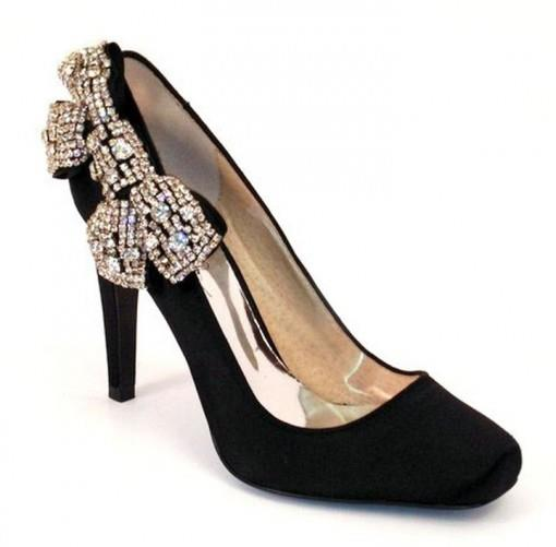 half off cd460 556f4 Backwards Bow Shoes - Tuesday Shoesday for Indian Weddings