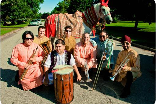 Indian Wedding Baraat: Band Bajha Brass