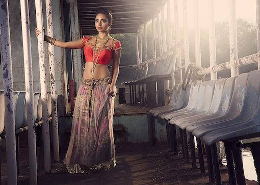 sapna-amin-winter-2012-bridal-lengha-choli-and-long-gold-necklace