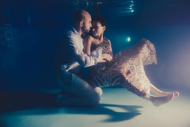 9indian underwater engagement shoot portrait