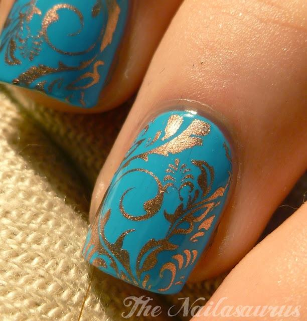 Gold Swirl Indian Wedding Manicured Nails