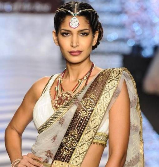 iijw-13-grand-finale-tika-medallion-ruby-emerald-beads-bridal-jewelry-e1376423805425