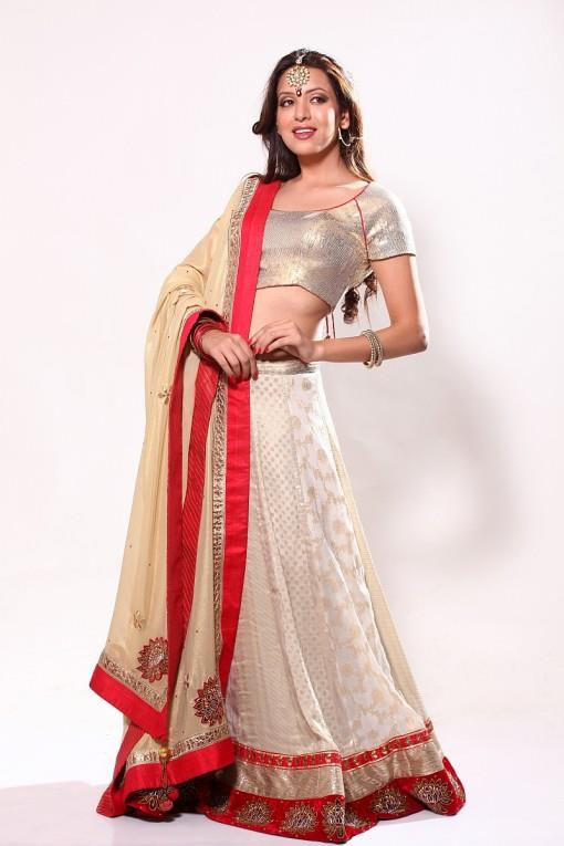 Bridal-lengha-white-and-red-e1381090545444
