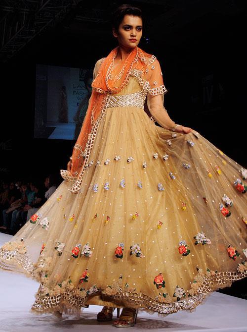 Indian Wedding Fashion by Manish Malhotra / Rehane / Deepti Purthi Lakmé Fashion Week 2013