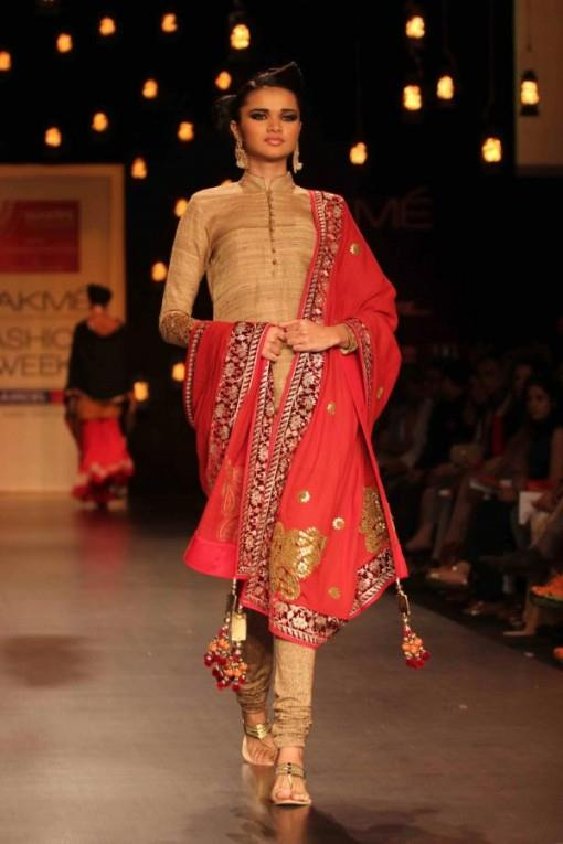 indian wedding fashion by vikram phadnis soumitra mondal
