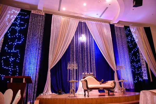 14a indian wedding blue and white staging