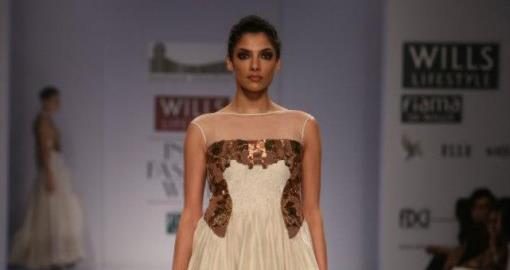 Indian Wedding Fashion from WIFW 2013 by Tarun Tahiliani & Samant Chauhan