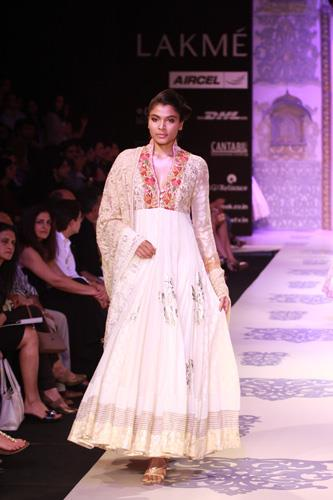 Lakme Fashion Week Summer 2011 – Manish Malhotra
