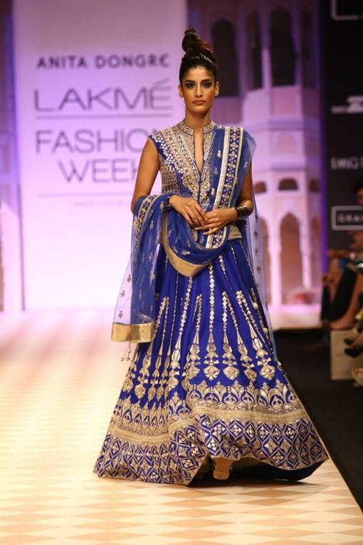6-Lakme-Winter-2013-Anita-Dongre-royal-blue-and-gold-traditional-bridal-lehnga-e1377622065776