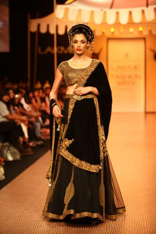 3-Lakme-Winter-2013-Nikhil-Thampi-black-and-gold-bridal-lehenga-e1377625345156
