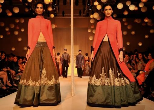 Lakme-Winter-2013-Manish-Malhotra-lehnga-with-red-jacket-e1377613242266