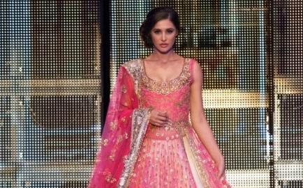 Manish Malhotra TOIFA - Indian Wedding Fashion Inspiration