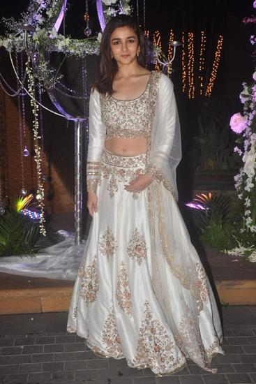 Alia-in-Manish-Malhotra