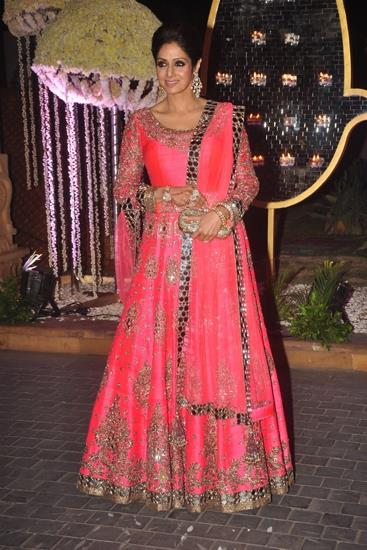 Sri-Devi-in-Manish-Malhotra