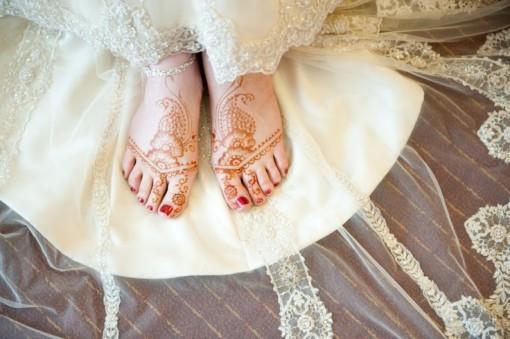 Mehndi and White Lace - Indian Wedding Inspiration