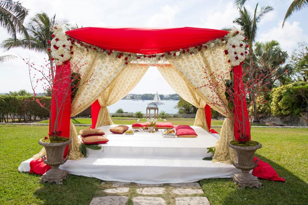 atlantis indian wedding ceremony mandap outdoor