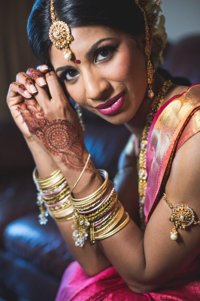 11a indian wedding bride churrahs matha patti