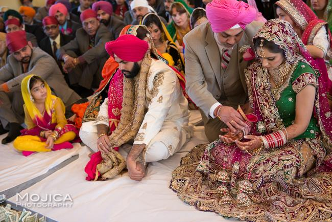 5 indian wedding sikh bride and her father anand karaj