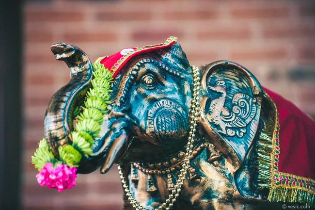 17a indian wedding elephant statue