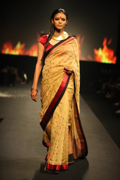 "Ritu Kumar ""Panchvastra"" Fashion Show - photo #5"
