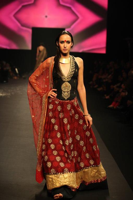 "Ritu Kumar ""Panchvastra"" Fashion Show - photo #17"