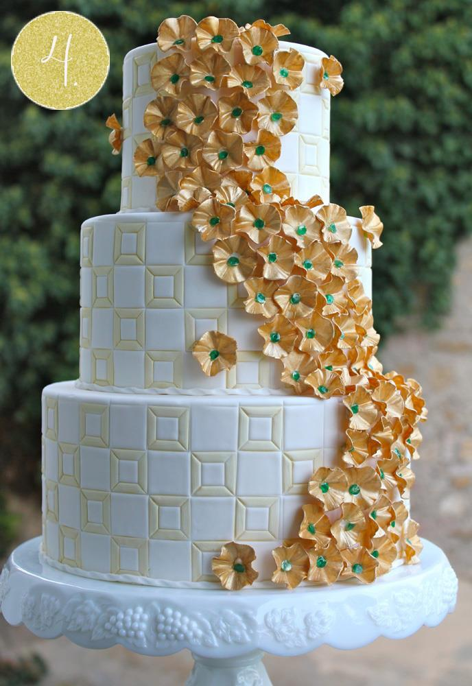 gold green art deco indian wedding cake