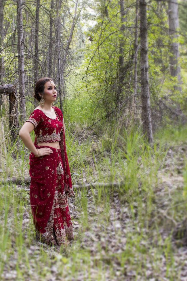 2a Outdoor Indian Bridal Portrait red sari