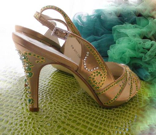 Tuesday Shoesday: Custom Indian Wedding Shoes on Etsy