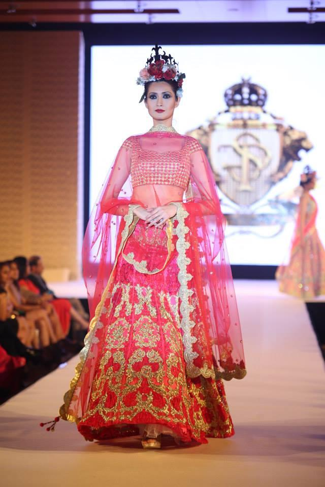 Hindu Bridal Mantra Show Pink and Gold Lengha