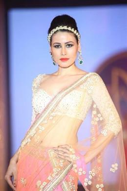 Hindu Bridal Mantra Fashion Show in Dubai