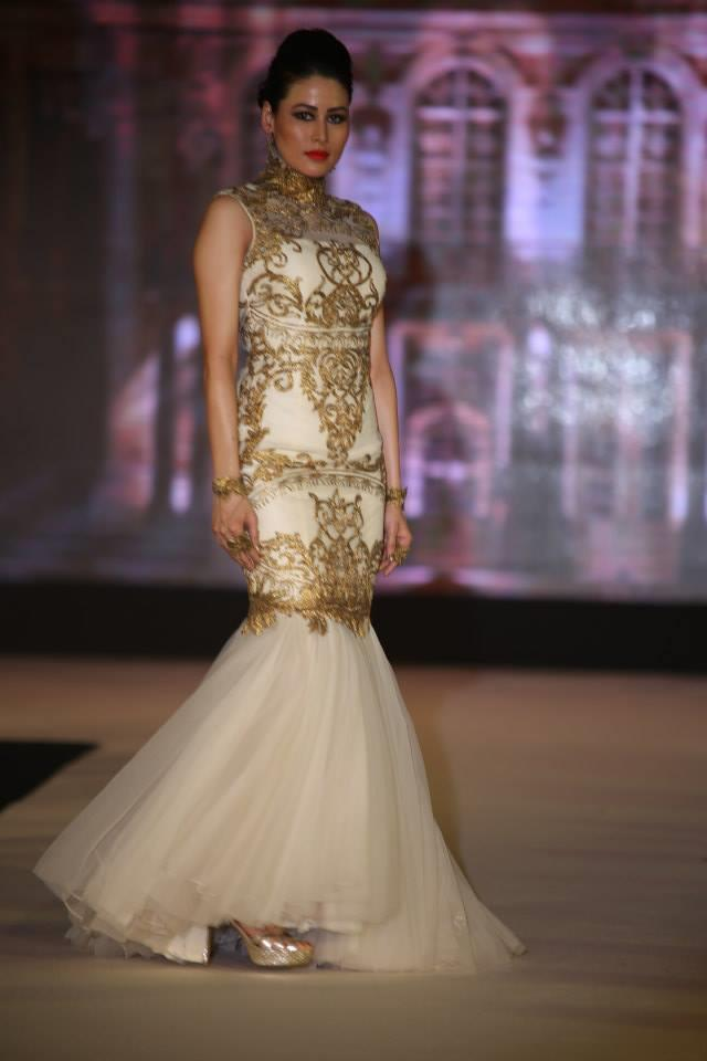 Hindu Bridal Mantra Show Tulle White and Gold Gown