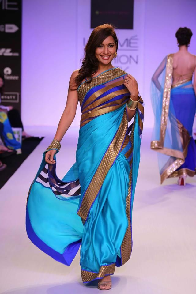 Mandira Bedi Lakme Fashion Week Summer 2014 miss malini blue and gold sari