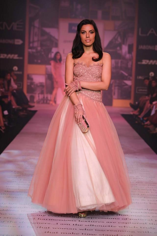 Shantanu & Nikhil Lakme Fashion Week Summer 2014 pink and white strapless tulle dress