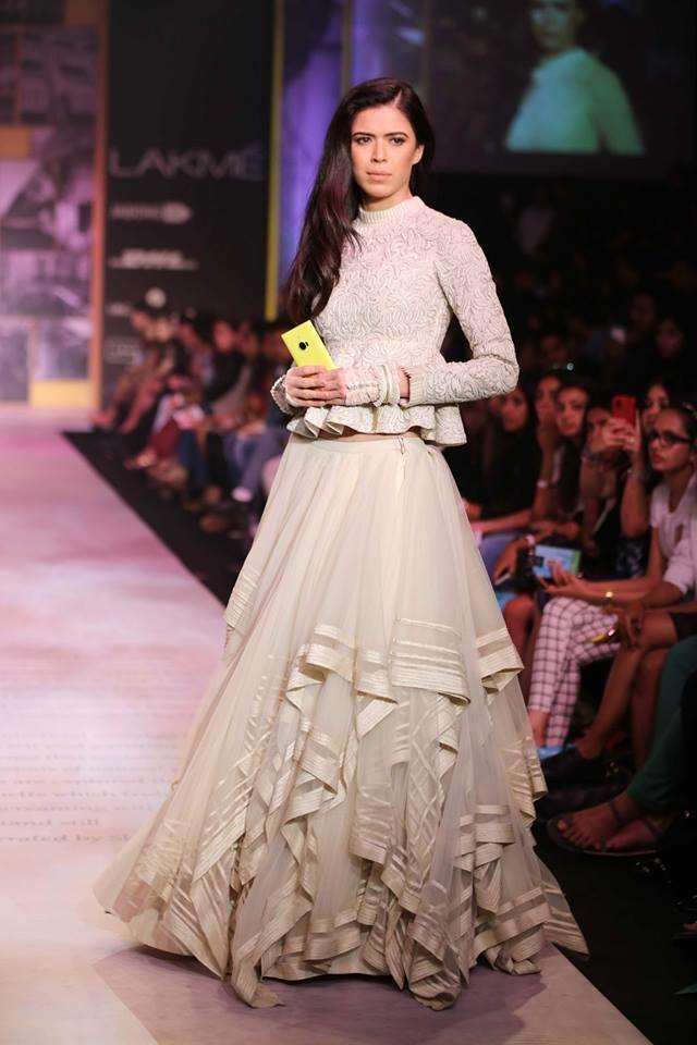 Shantanu & Nikhil Lakme Fashion Week Summer 2014 white ruffled lehnga