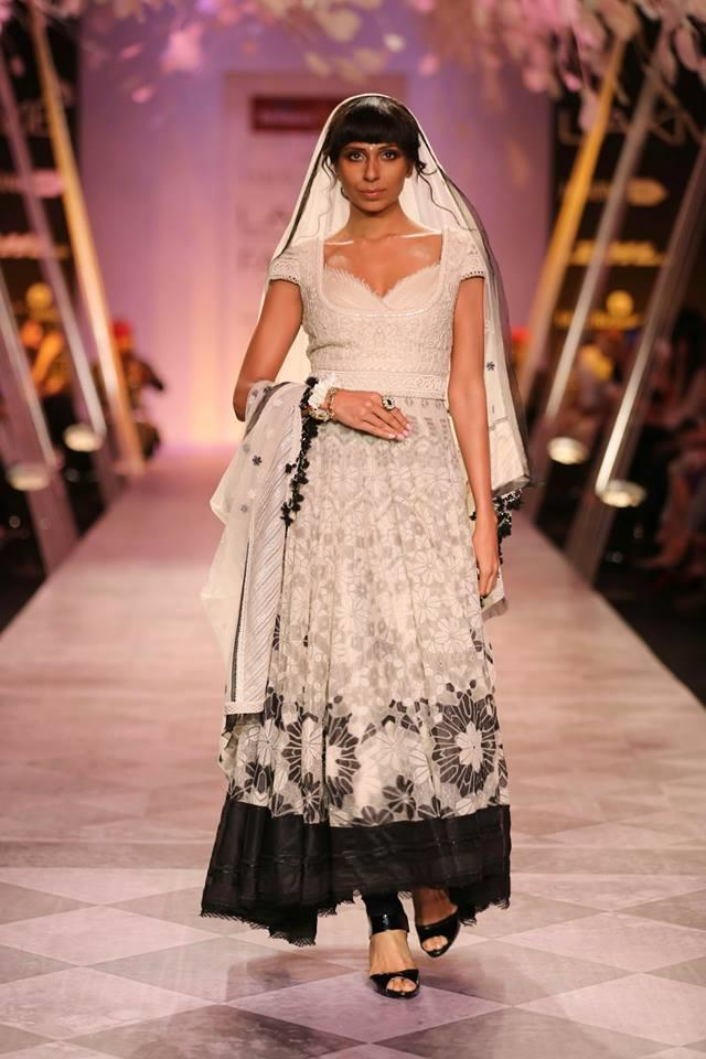 Tarun Tahiliani Lakme Fashion Week Summer Resort 2014 black and white floral pattern churidar suit
