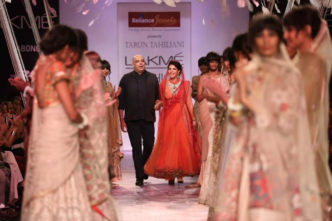 Tarun Tahiliani Lakme Fashion Week Summer Resort 2014 with showstopper Jaqueline Fernandez in Reliance Jewels