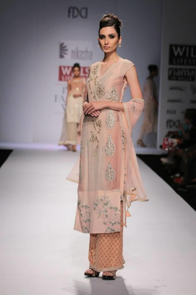 Nikasha Wills Lifestyle India Fashion Week 2014 blush pink beige salwar kameez with trouser pants