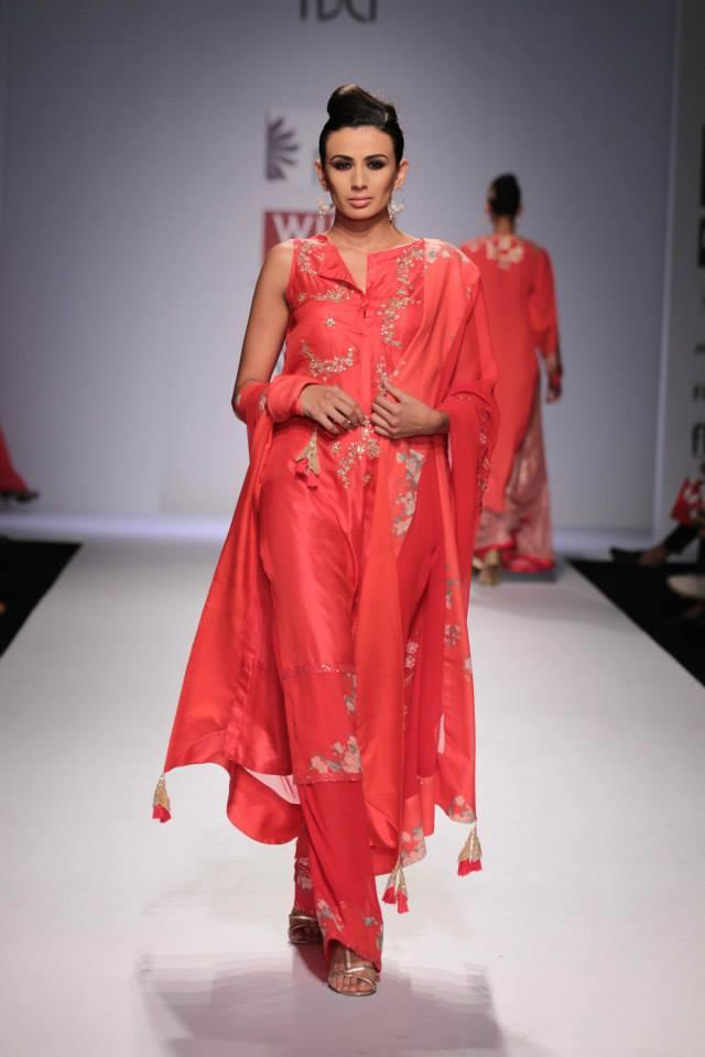 Nikasha Wills Lifestyle India Fashion Week 2014 red pink salwar kameez suit