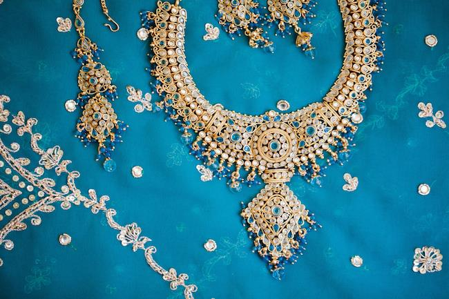3a indian wedding gold necklace and earrings