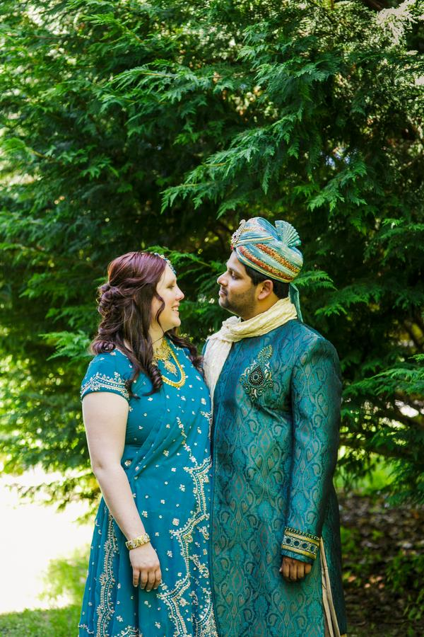 8a indian wedding outdoor portrait