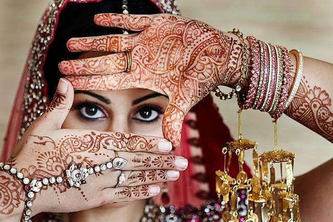 indian-wedding-bridal-mehndi-portrait-bridal-jewelry