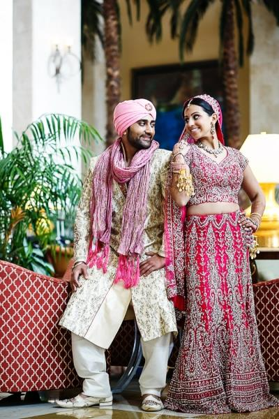 indian-wedding-bride-and-groom-portrait-pink-lengha-pink-turban