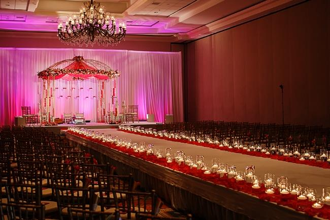 indian-wedding-ceremony-hindu-decor-mandap-and-aisle