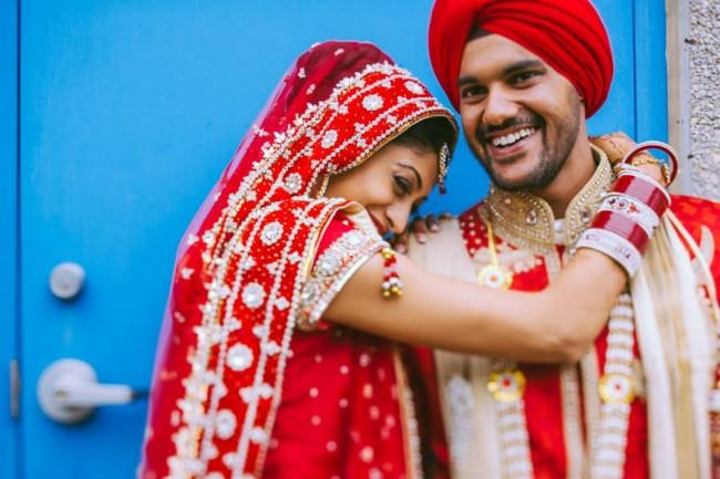 6 sikh indian wedding couple portrait red lengha red turban