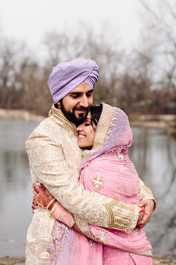 14a Indian Sikh wedding hugging portrait