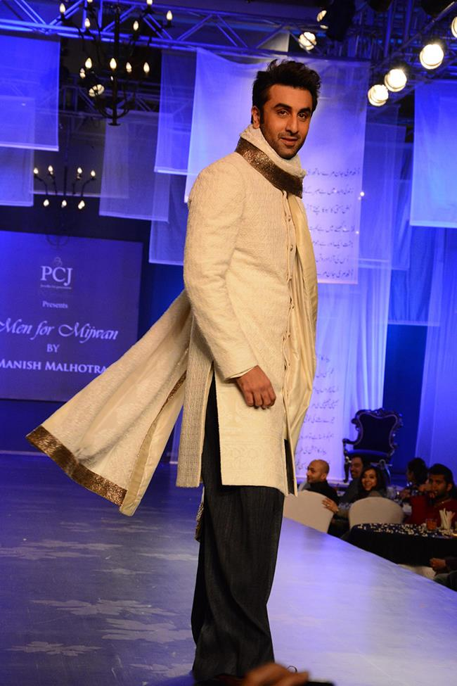 Manish Malhotra mens indian wedding fashion kurta Ranbir Kapoor